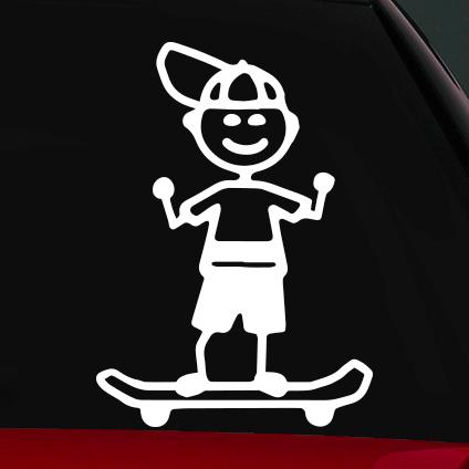 Gördeszkás fiú családi autó matrica